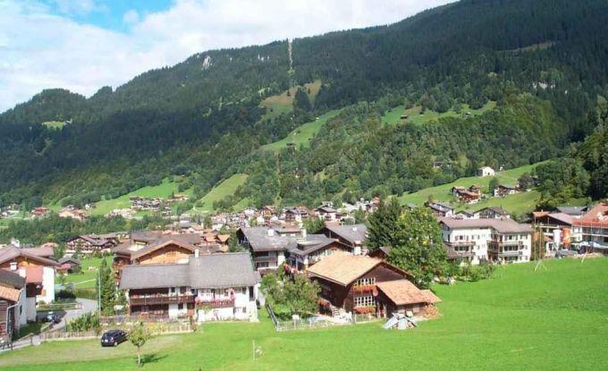 http://ferienshop.davos.ch/media/import/provider/dt_3b4f44bf-537e-405c-bfe3-b5d2df4234a5.jpg