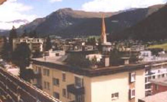 http://ferienshop.davos.ch/media/import/provider/dt_af3bb504-fe71-4e96-aefb-b9a7ac7f853f.jpg