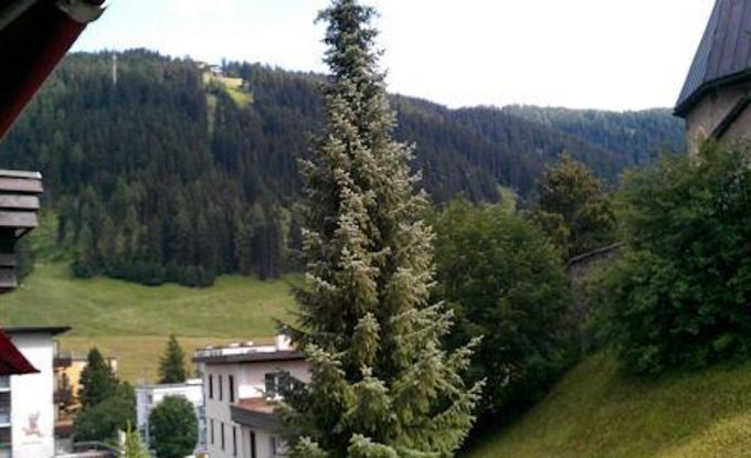 http://ferienshop.davos.ch/media/import/provider/th_6cf7e45c-ba96-4933-9b44-0faaaece2b9b.jpg